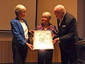 Presentation of botanical art, 2012 AGM (Photo: Steve Speer)